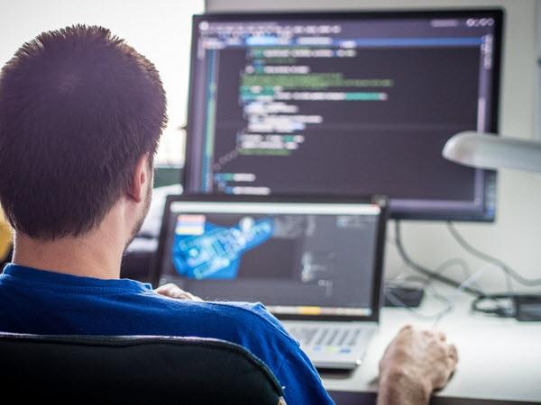Курсы веб программирования в Минске обучение php sql с нуля  Бэк энд разработчик с англ back end оборотная сторона developer это специалист который занимается программно административной частью веб приложения